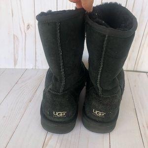Ugh - Black Short Uggs